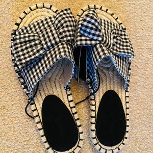 Forever 21 sandals new 5.5 size